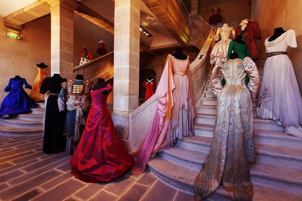 Costumes-et-escalier-CNCS_Crédits-photo-Pascal-François